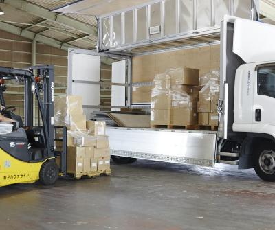 混載便|お客様のお荷物だけではなく、複数のお客様のお荷物と共同でトラックを使用することで運送コストを抑えることができるサービス